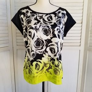 a.n.a Woman's Black & White Rose Top. Size Large